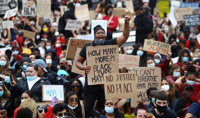 George Floyd death: Thousands protest in Hyde Park in solidarity with Black Lives Matter