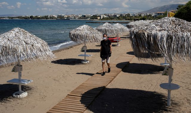 Coronavirus: Greece extends travel ban on UK visitors for two weeks