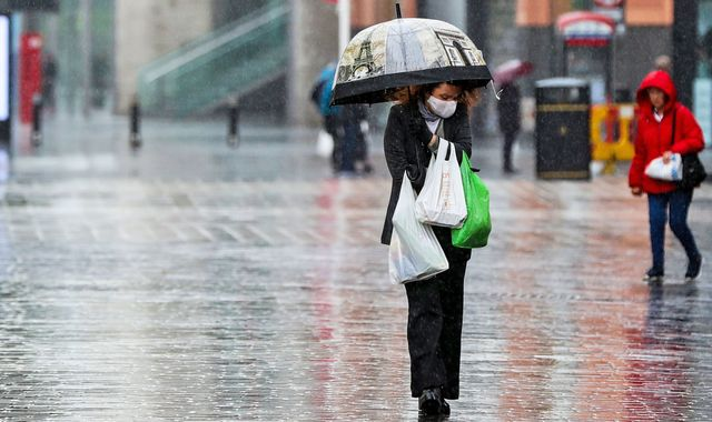 Weather: UK to be hit with rain, gales and thunderstorms as temperatures drop