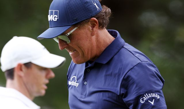 Phil Mickelson one ahead with Rory McIlroy in hunt in Connecticut