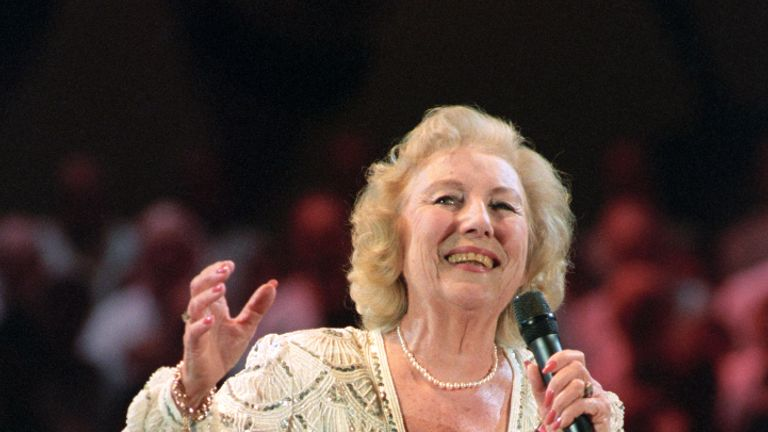 DAME VERA LYNN SINGING HER OLD FAVOURITES ON STAGE AT THE VE DAY 50TH ANNIVERSARY ROYAL BRITISH LEGION CELEBRATION CONCERT IN LONDON'S HYDE PARK. THE CONCERT WAS ATTENDED BY THE PRINCESS ROYAL ACCOMPANIED BY HER HUSBAND COMMANDER TIMOTHY LAURENCE