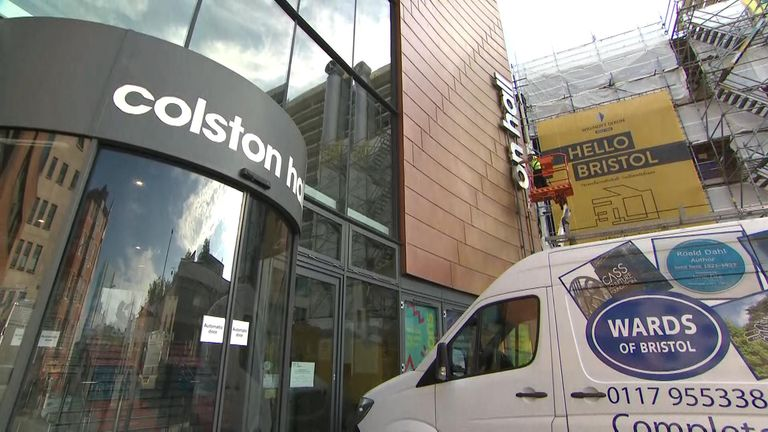 Colston sign removed in Bristol
