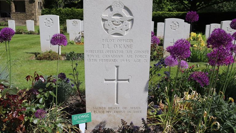 Commonwealth War Graves Commission of tribute marker in place on a grave.