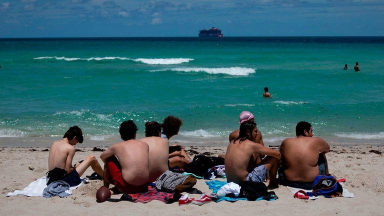 florida beach coronavirus us