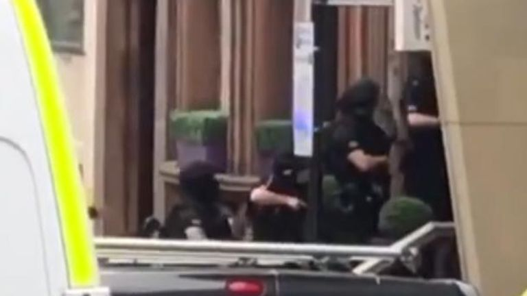 Glasgow incident armed police