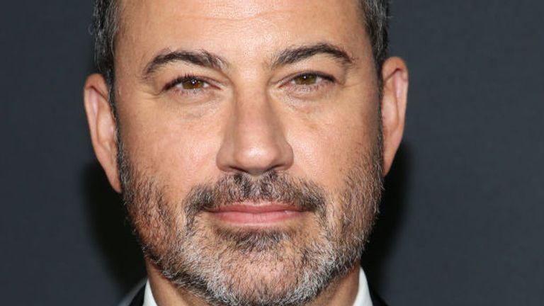 Jimmy Kimmel has apologised for wearing blackface makeup to impersonate celebrities