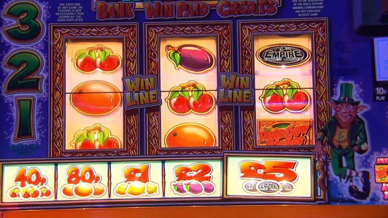 Mesin slot buah adalah salah satu dari banyak mesin judi yang berbeda