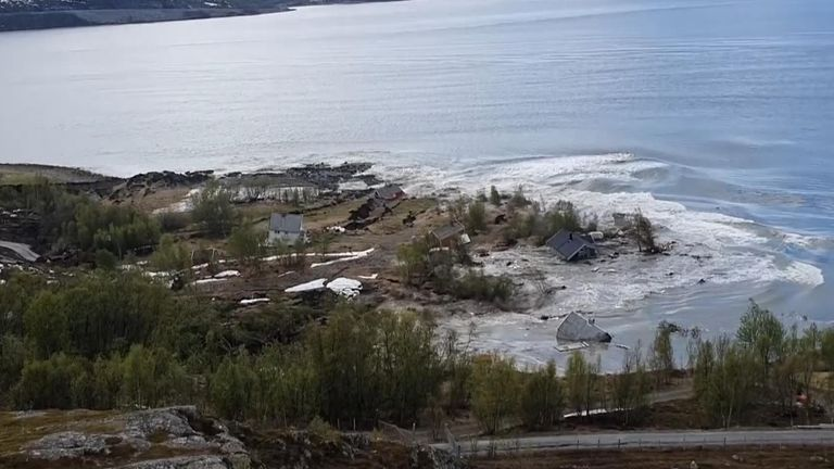 Eight homes have been swept into the sea after a powerful landslide in the Norwegian town of Alta.