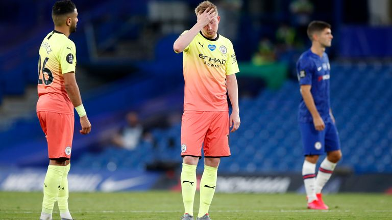 A dejected Kevin De Bruyne during the Chelsea-Manchester City match