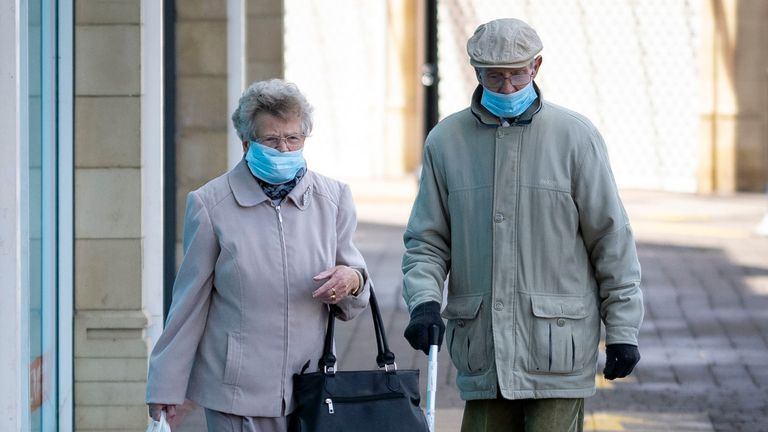 The report suggest wearing a mask significantly cuts the chances of catching COVID-19