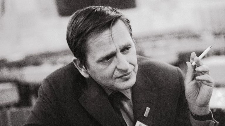 """Olof Palme, social democratic prime minister of Sweden. Meeting of the """"International Socialists"""" in Salzburg. Photography, 1971."""