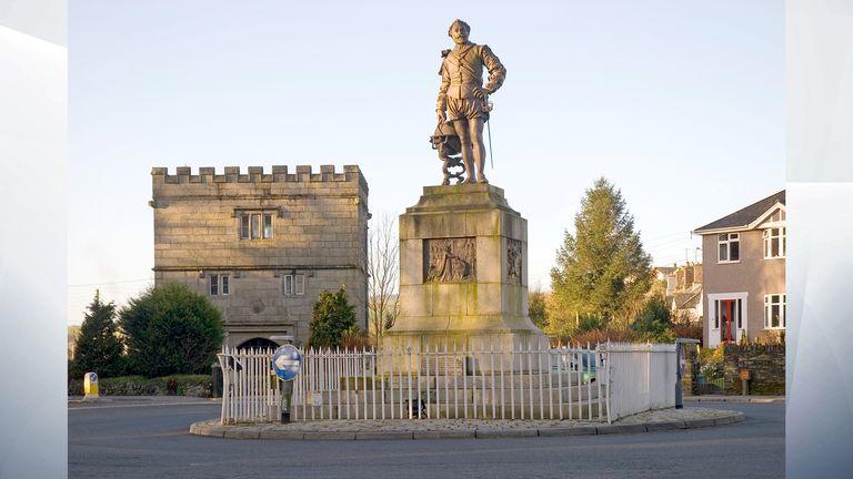 Sir Francis Drake's statue Plymouth Road Tavistock Devon