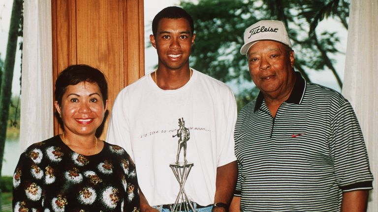 25 Jan 1998: Tiger Woods with his parents Kultida and Earl Woods at the Johnnie Walker Classic at Blue Canyon Golf Club, Thailand. Mandatory Credit: David Cannon/ALLSPORT