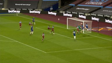 Chelsea go close to an equaliser (65)