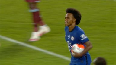 Willian levels with brilliant free-kick! (72)