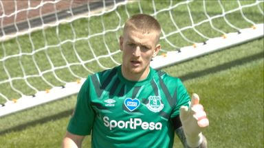 Pickford keeps out  Podence (26)