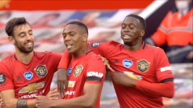 Martial fires Utd into the lead! (23)