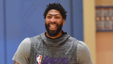 Lakers undertake first practice in bubble
