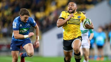 Hurricanes 29-27 Blues