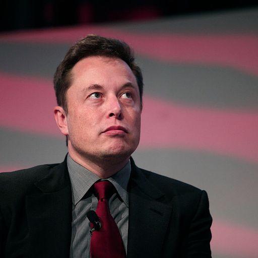 Elon Musk fakes steal thousands a day through Twitter