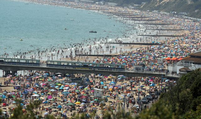 UK weather: It's the hottest day - temperatures soar to 37.8C in Heathrow as people flock to beaches