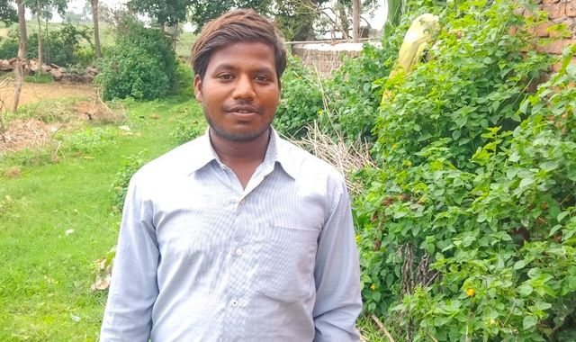 Diana Awards: Indian man who set up school to save pupils from child mining wins prize