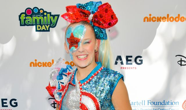 JoJo Siwa: YouTube star left 'crying for hours' by people 'driving by my house and shouting mean things'