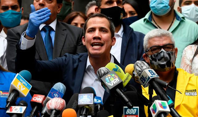 UK 'unequivocally recognises' Juan Guaido as Venezuela's president in £800m row over gold