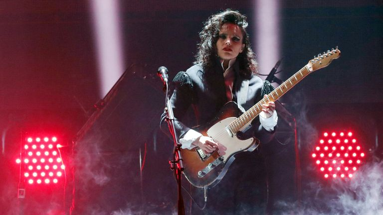 British musician Anna Calvi performs during the award ceremony of the International Music Award (IMA) in Berlin on November 22, 2019. (Photo by Fabrizio Bensch / POOL / AFP) (Photo by FABRIZIO BENSCH/POOL/AFP via Getty Images)