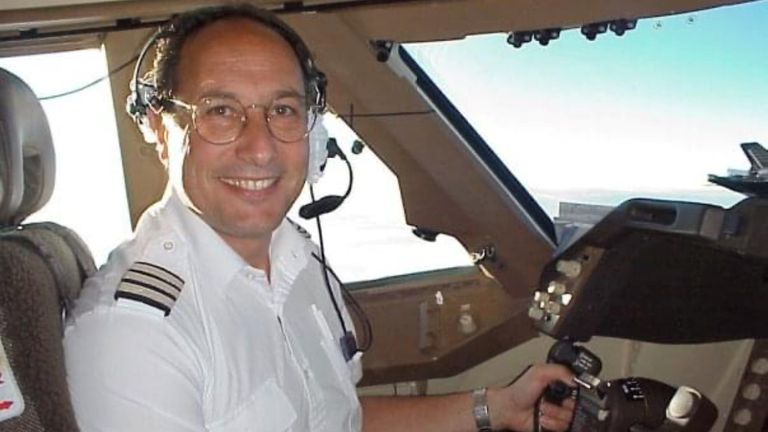 Alastair Rosenschein flew his first 747 in 1988