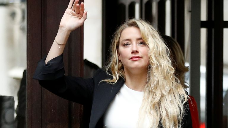 Amber Heard arrives in court