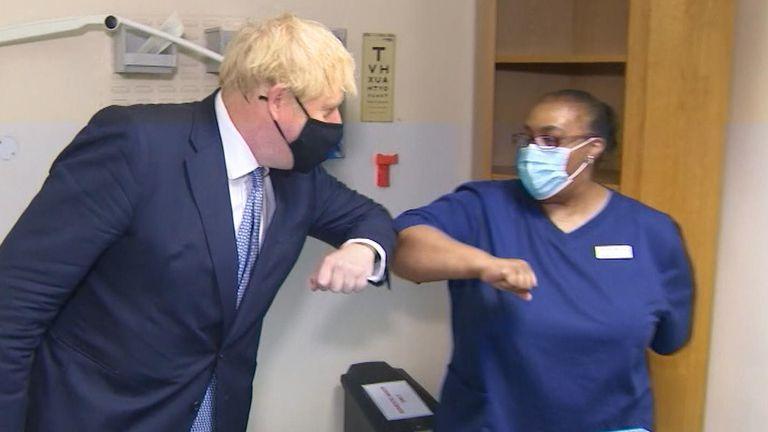 """Boris Johnson: """"Danas ima sve više antivaksera, oni nisu normalni"""""""