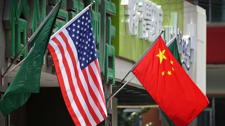 The US and Chinese flags
