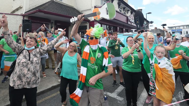Ireland fans gathered to pay tribute to the international team's former manager on Tuesday