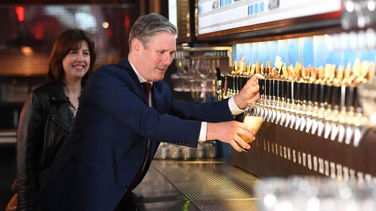 Labour leader Keir Starmer and shadow Business and Consumer Affairs Minister, Lucy Powell, during a visit to the Brewdog Pub