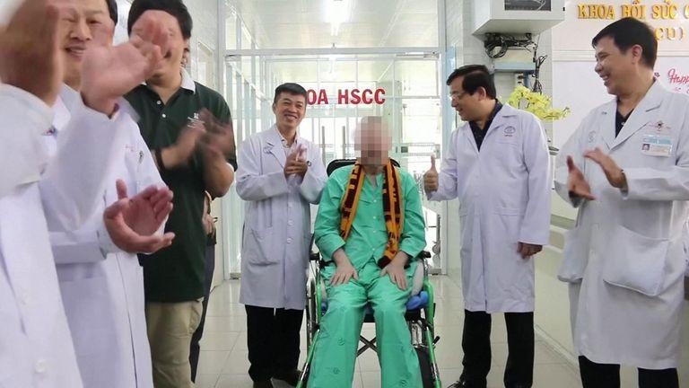 Doctors applauded the coronavirus survivor