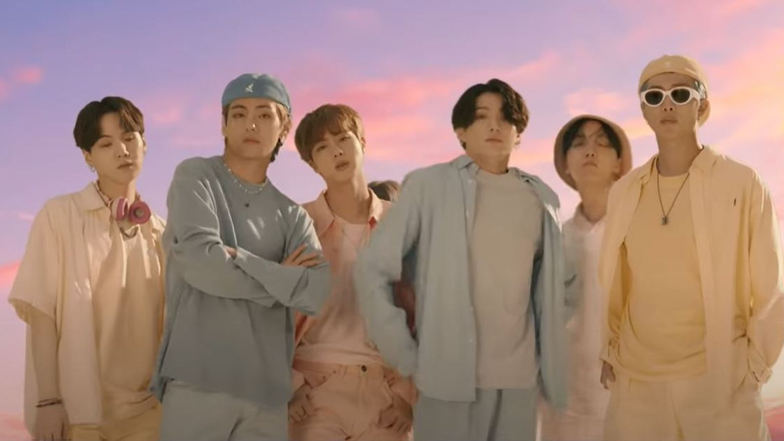 Bts Song Dynamite Smashes Youtube Record With More Than 100 Million Views In 24 Hours Ents Arts News Sky News Sign up for us bts army's weekly newsletter to stay up to date! bts song dynamite smashes youtube