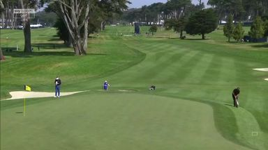 Mickelson makes chip-in eagle!