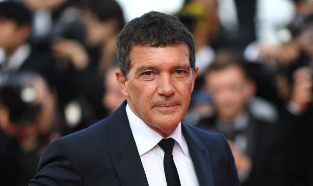 Actor Antonio Banderas tests positive for coronavirus