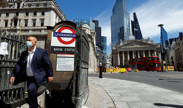 Bank of England: Economy still set for record slump as rates held