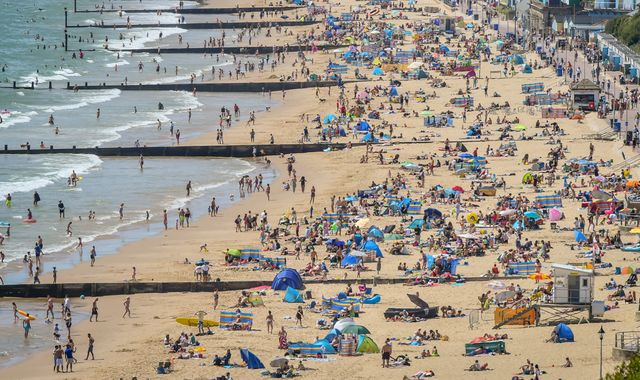 UK weather: Beaches 'unmanageable' as Coastguard has busiest day in years