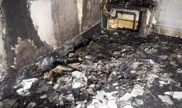 South Yorkshire: Man accidentally burns down own flat while proposing to girlfriend