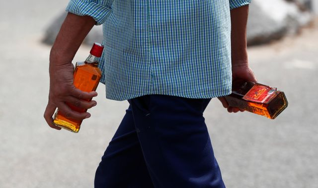 10 die drinking hand sanitiser after India bans alcohol sales during lockdown