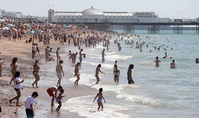 UK weather: Temperatures could rise above 37C today - with stifling heat to continue throughout the weekend