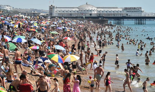 UK weather: Public told to avoid packed beaches as UK enjoys hottest August day for 17 years
