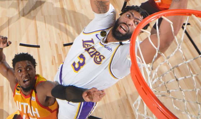 Anthony Davis dominates as Lakers beat Jazz to seal No 1 seed in West playoffs
