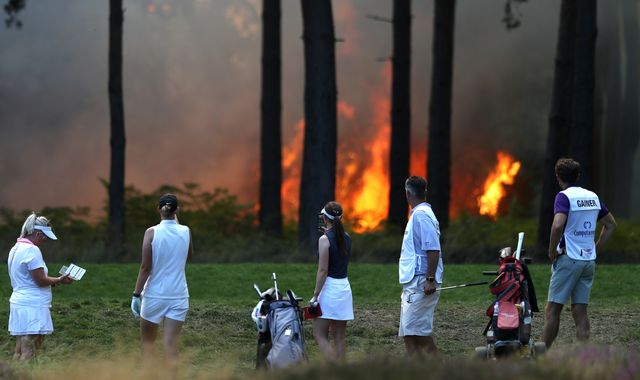 Wentworth fire: Rose Ladies Series Grand Final unlikely to resume on Saturday