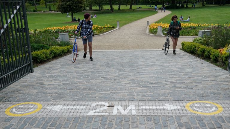 A two metre warning in a park in Dublin