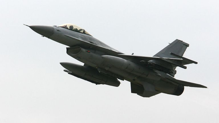 """KUNSAN, SOUTH KOREA - JUNE 17: An F-16 takes off during a South Korea and US Air Force combined training exercise """"Max Thunder"""" at the Kunsan airbase June 17, 2008 in Kunsan, South Korea. The Max Thunder exercise will test aircrew's war-fighting skills in realistic combat situations and involve both ROKAF and USAF flying and maintenance units from around the Pacific and continental Untied States. (Photo by Chung Sung-Jun/Getty Images)"""