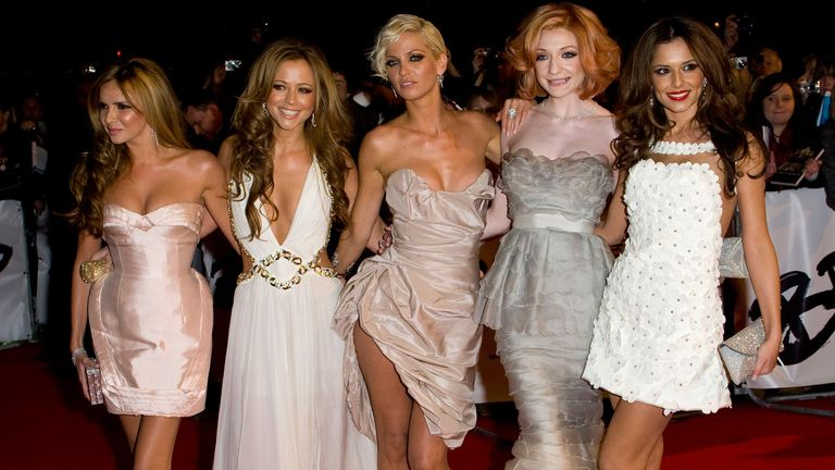 Nadine Coyle, Kimberley Walsh, Sarah Harding, Nicola Roberts and Cheryl Cole of Girls Aloud arrives at the BRIT Awards 2009 at Earls Court on February 18, 2009 in London, England
